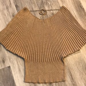 Women's I.N.C. Gold top size Small